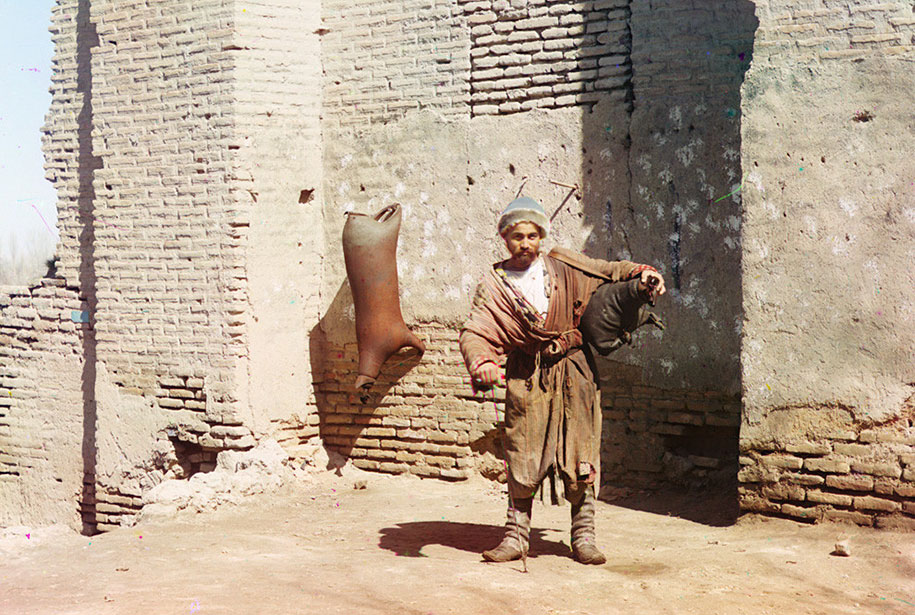 Nosač vode u Samarkandu.