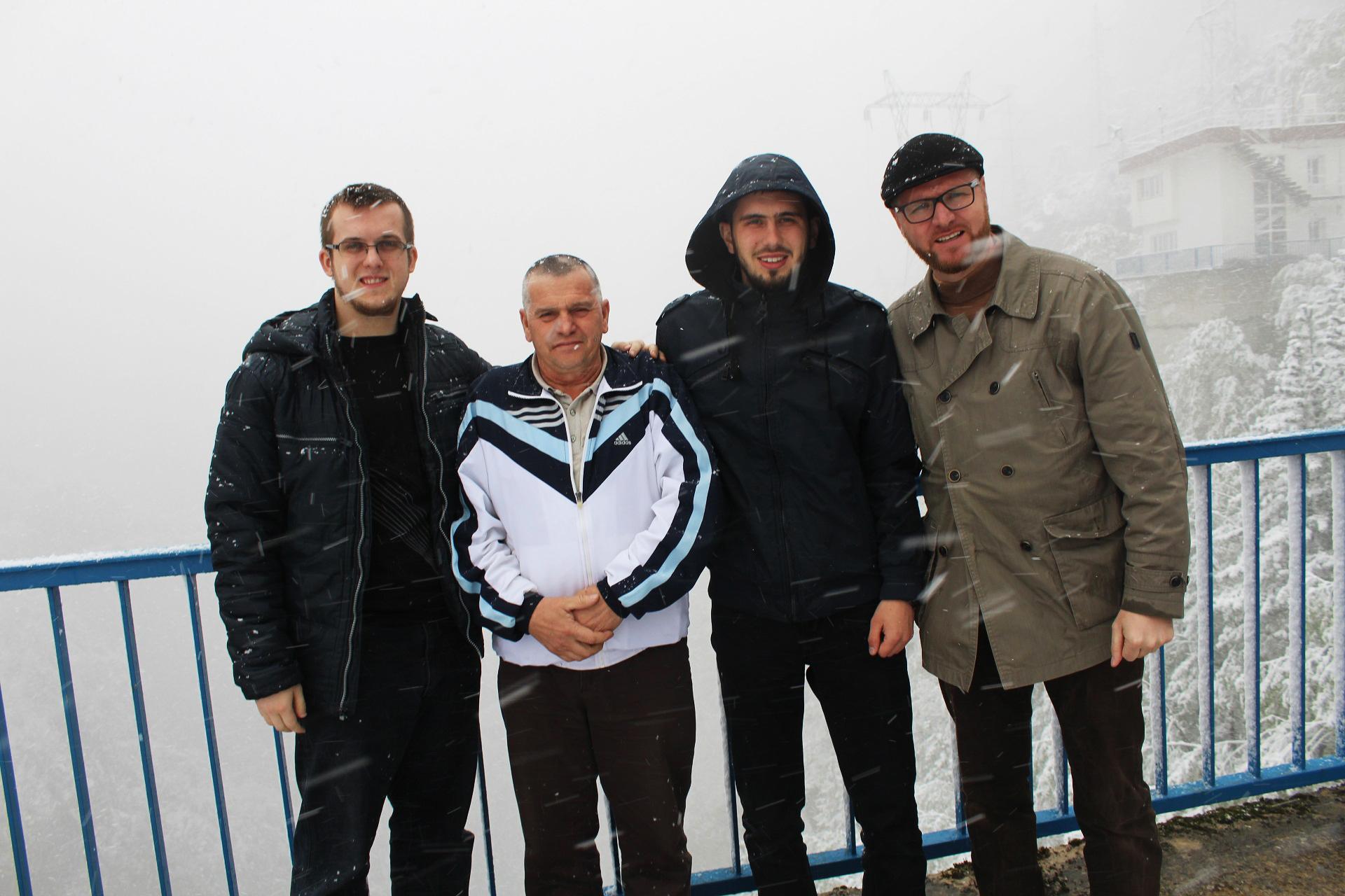 Ekipa našeg Muzeja na velikoj brani na putu do Podgorice šehera.